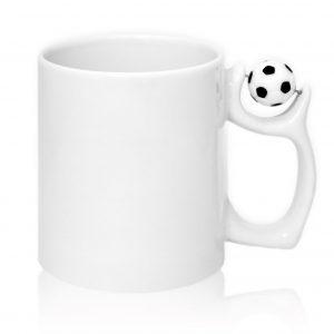 Кружка с мячом на ручке футбол